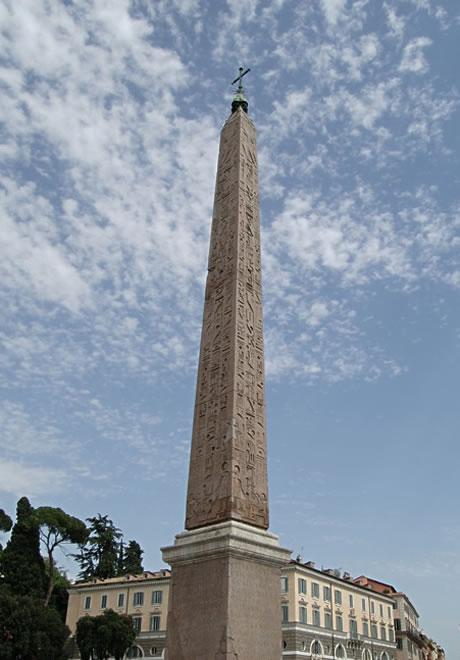 Αιγυπτιακό οβελίσκο στην πλατεία Piazza del Popolo της Ρώμης φωτογραφία